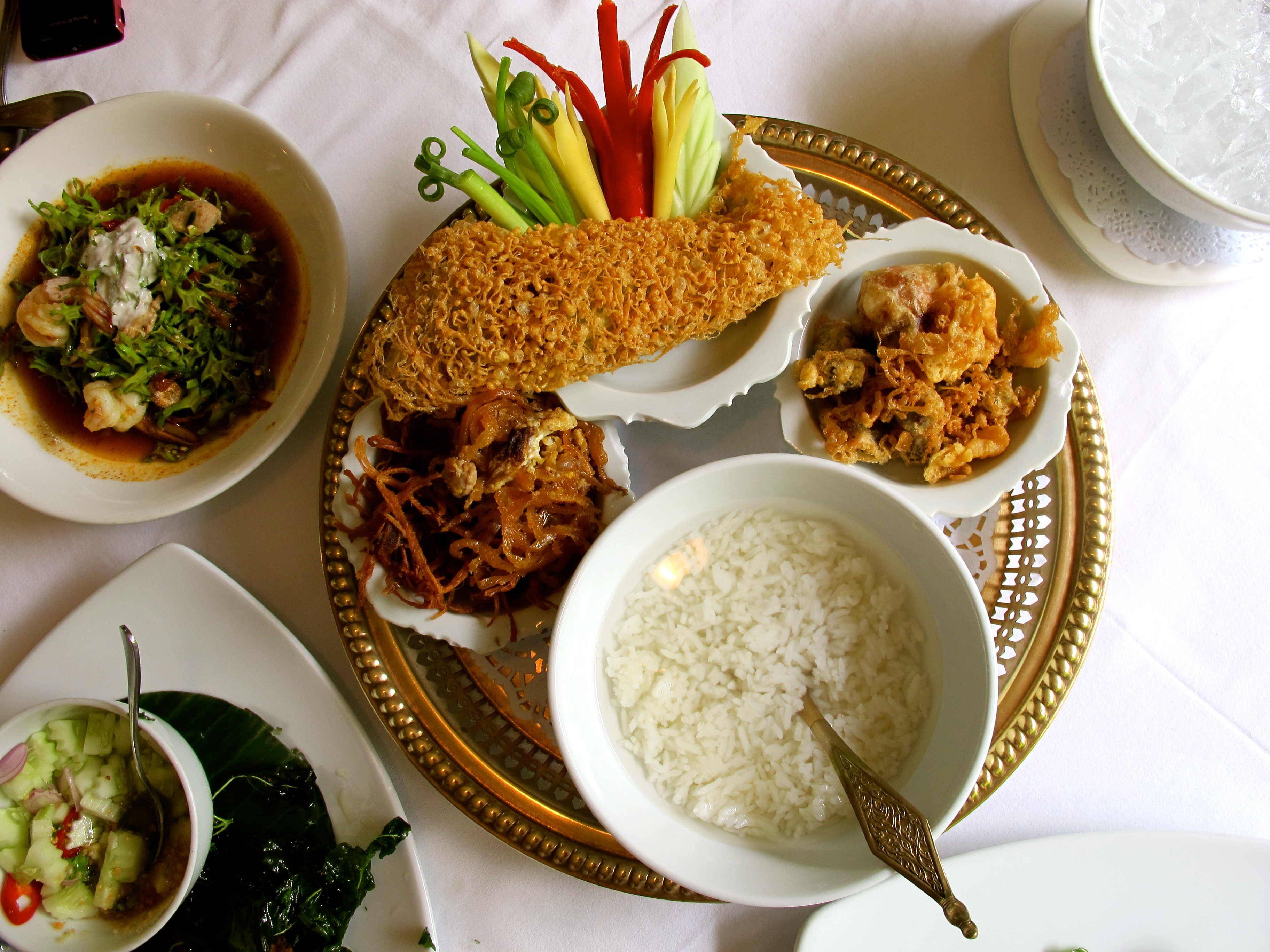 Than ying restaurant a royal thai cuisine for Cuisine royale